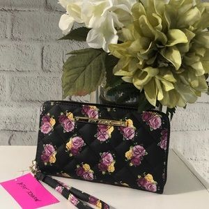NWT Black with Roses Betsy Johnson Wristlet